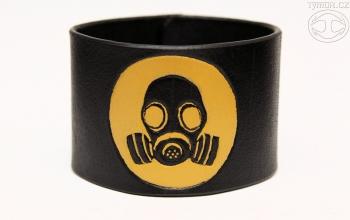 bracer_gas_mask